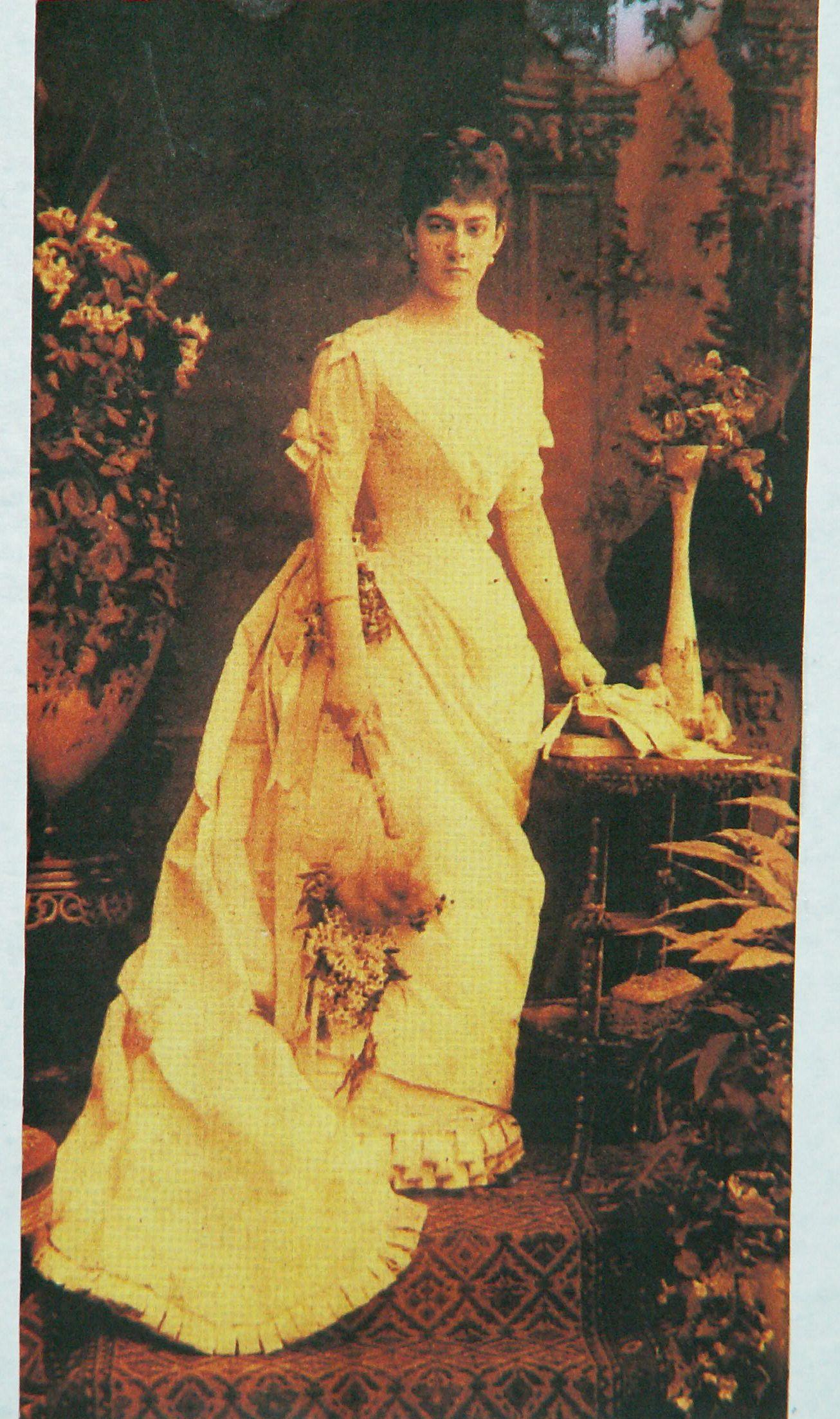 Елизавета-Мария-Регина-Габриэла графиня Гуттен-Чапская, дочь Кароля-Яна-Александра фон Гуттен-Чапского