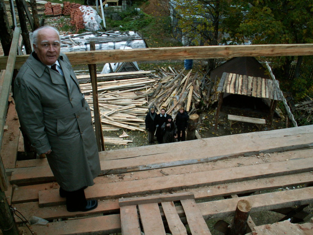 А.И.Валаханович на стене северного придела осенью 2007 года. Фото из личного архива О.И.Маслиева