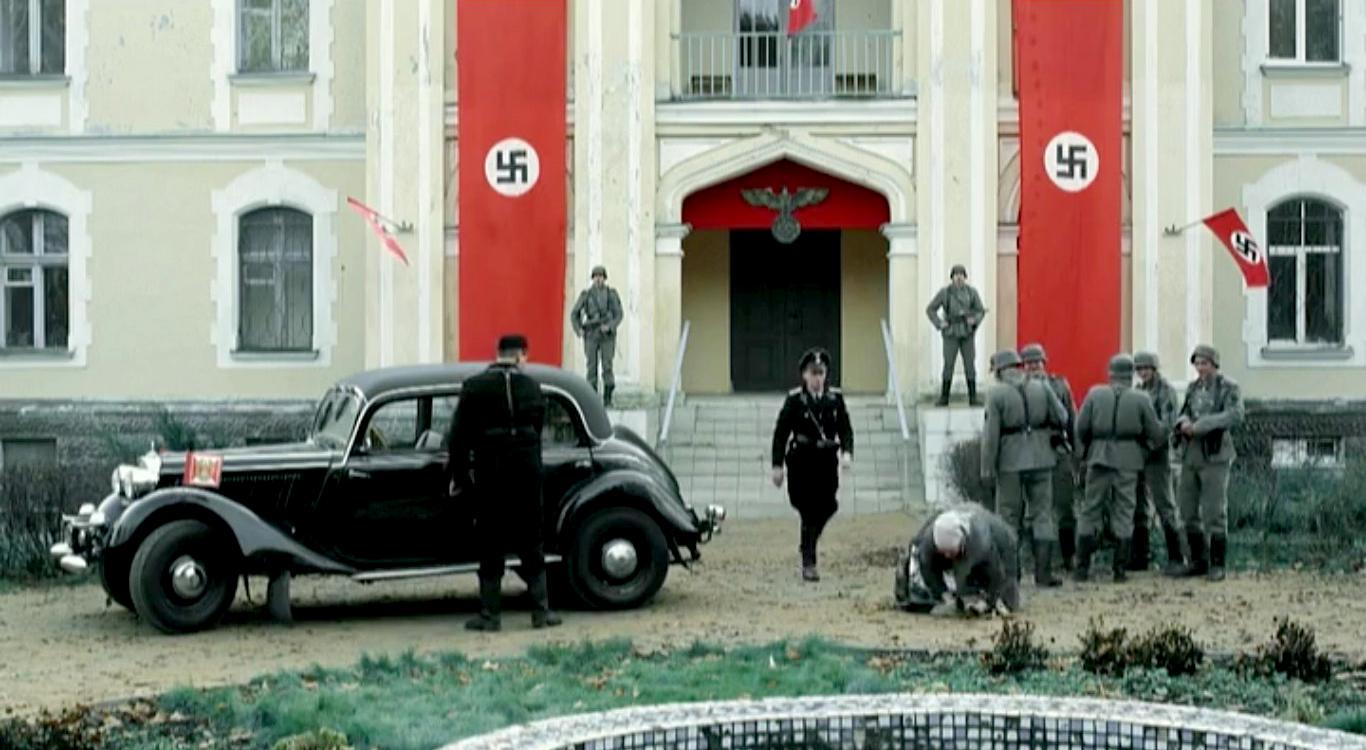 Кадр из многосерийного художественного фильма «Охота на Гауляйтера»