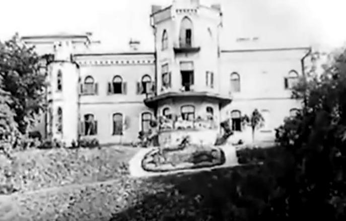 Дворец Чапских в Прилуках . Кадр из фильма «Лесная быль», 1926 г. Реж: Юрий Тарич