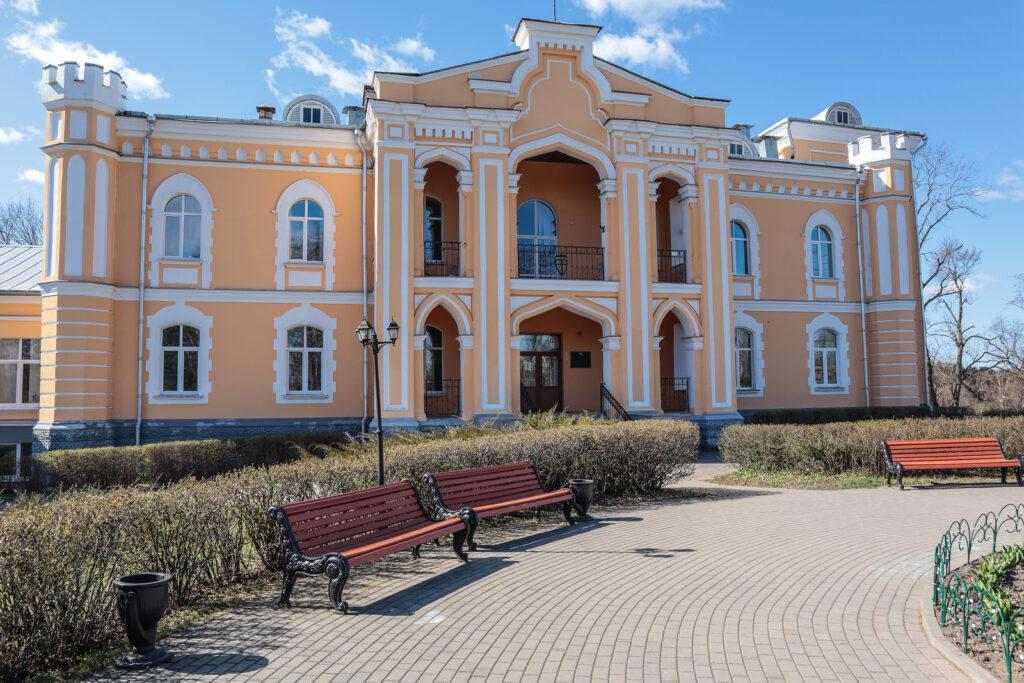 Дворец Гуттен-Чапских в Прилуках. Автор фото: Павел Козлов.
